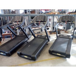 RUN NOW 700 MATT BLACK Technogym (Completamente rigenerato)